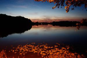 Jezioro Więcborskie nocą