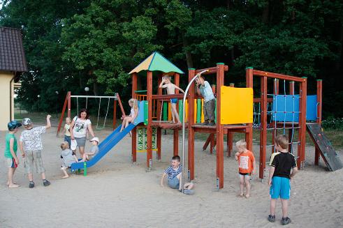 Plac zabaw na plaży w Więcborku