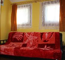 Pokóje w domkach nad jeziorem